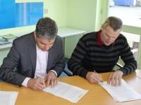 Ondertekening voorlopig koopcontract proefboerderij 13-1-2014