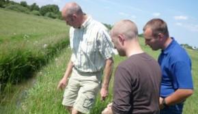 Melkveehouders in Gouwe Wiericke actief aan de slag met water- en bodemgericht sluiten van kringlopen op melkveebedrijven.